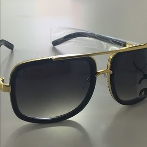 Other - Stylish men's sunglasses